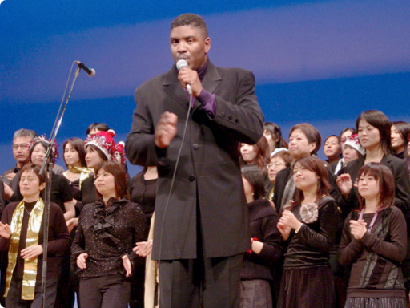 Ray Sidney and gospel choir